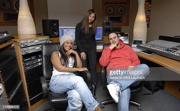 Closeup RB princesses Leslie and Amel Bent In Saint Denis France On February 11 2009Kore producer of the oncoming disk and 'RaiB fever 3 Concert'...