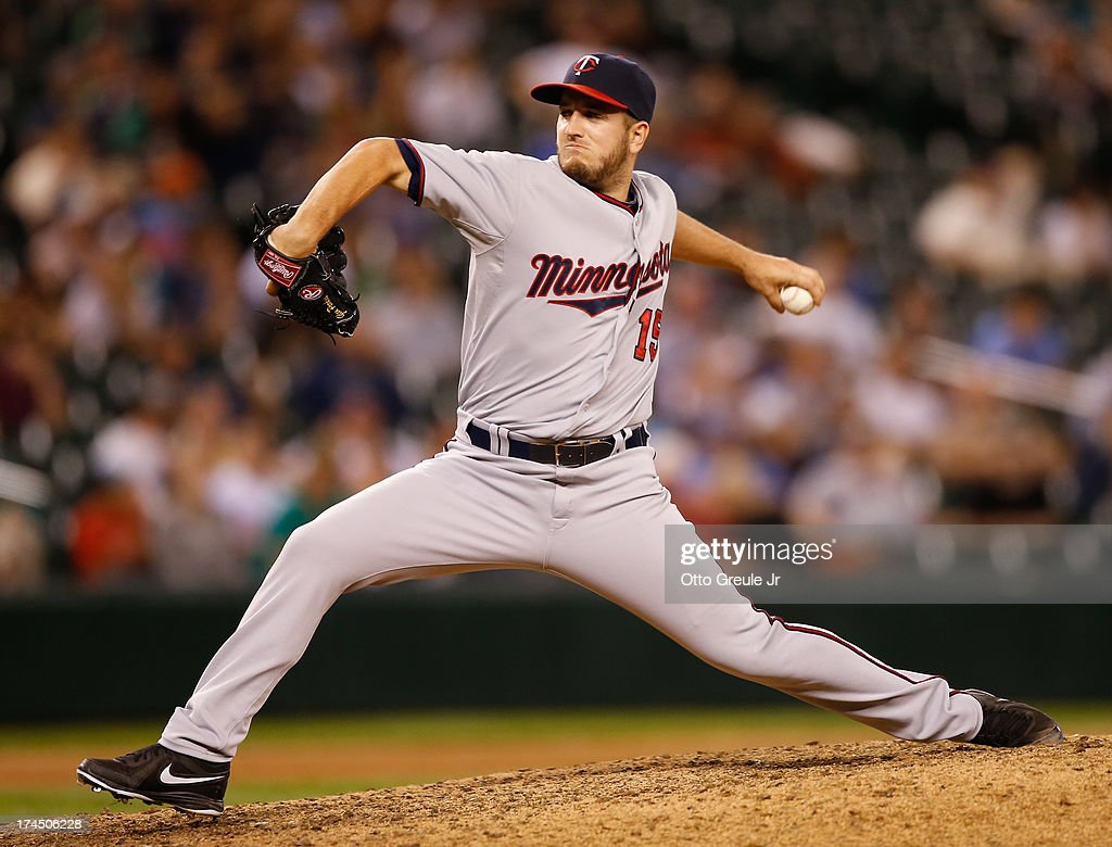 Closing pitcher <a gi-track='captionPersonalityLinkClicked' href=/galleries/search?phrase=Glen+Perkins&family=editorial&specificpeople=835845 ng-click='$event.stopPropagation()'>Glen Perkins</a> #15 of the Minnesota Twins pitches against the Seattle Mariners at Safeco Field on July 26, 2013 in Seattle, Washington. The Twins defeated the Mariners 3-2 in thirteen innings.