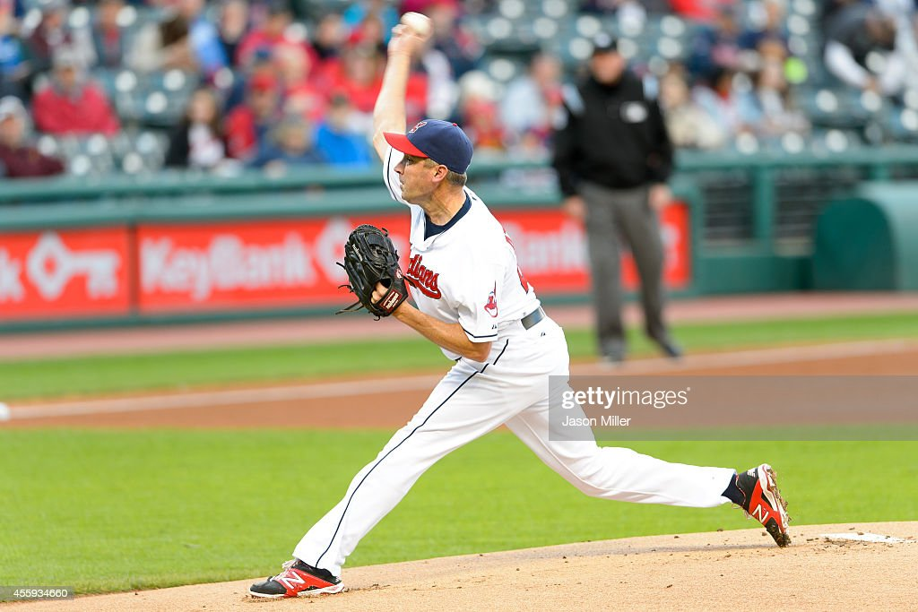 Closing pitcher <a gi-track='captionPersonalityLinkClicked' href=/galleries/search?phrase=Scott+Atchison&family=editorial&specificpeople=834059 ng-click='$event.stopPropagation()'>Scott Atchison</a> #48 of the Cleveland Indians pitches during the resumed 10th inning of the August 31 suspended game in Kansas City at Progressive Field on September 22, 2014 in Cleveland, Ohio.