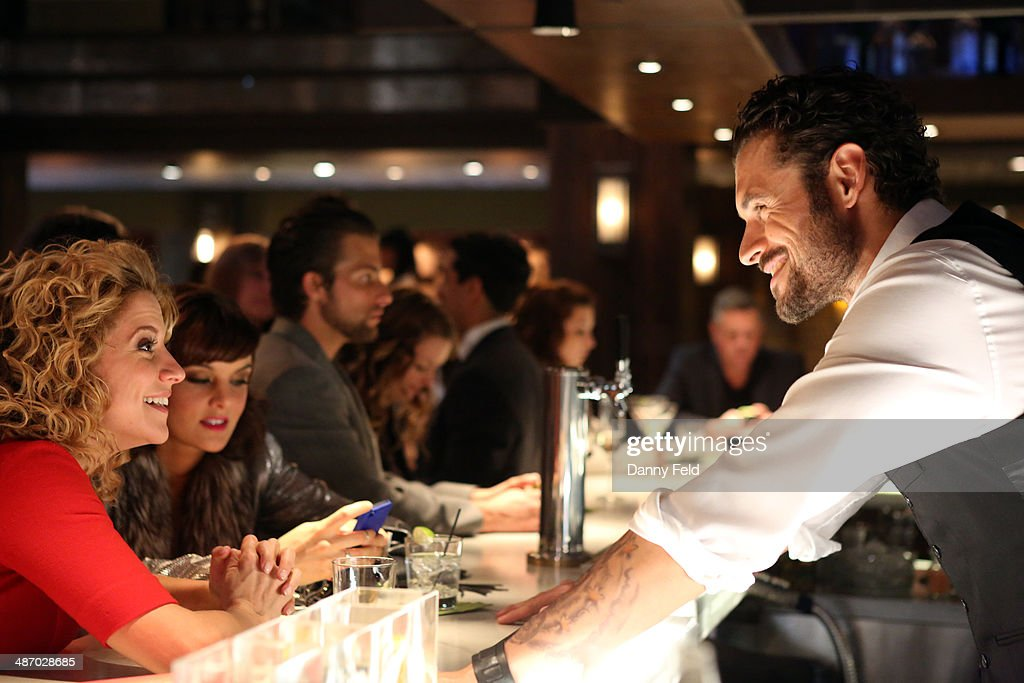 MIXOLOGY 'Closing Time' The night is coming to an end and it's Tom's last chance to ask Maya to go home with him but Bruce and Cal explain the...