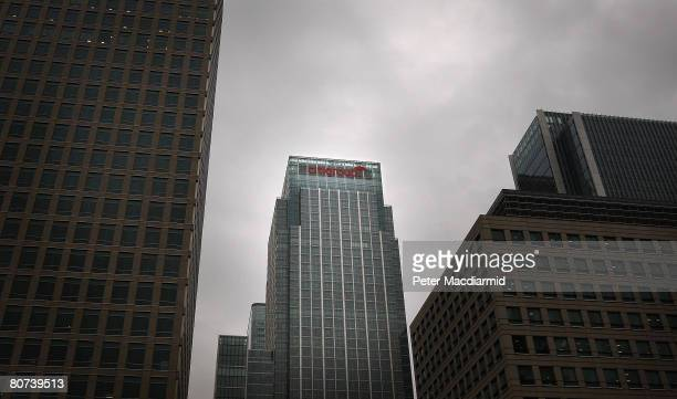 Clouds gather over Canary Wharf home of Citigroup's head quarters on November 5 2007 in London England Citigroup has announced losses of USD 511bn...