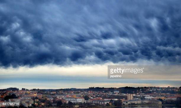 Clouds of the type mammatus