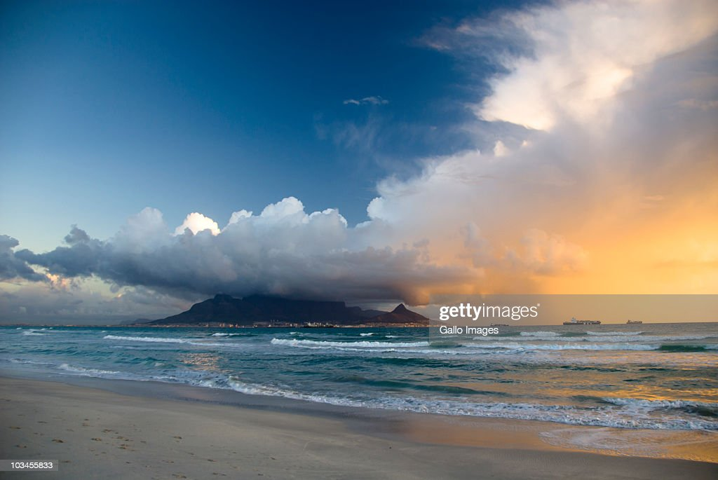 Clouds over Table Mountain at sunset, Cape Town, Western Cape Province, South Africa : Stock Photo
