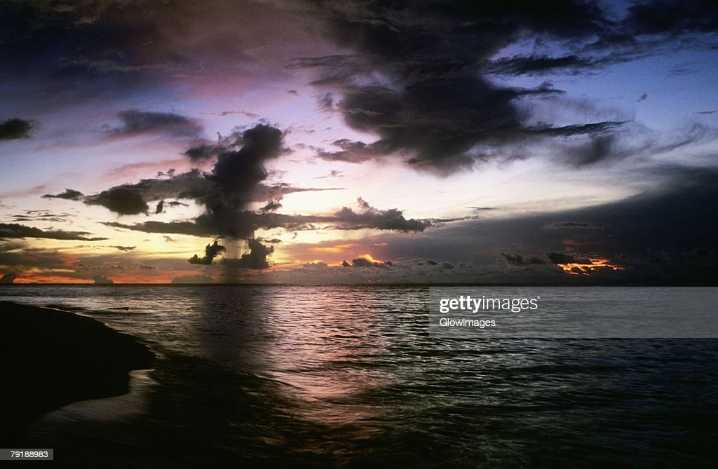 Clouds over the sea, Sipadan, Borneo, Malaysia : Foto de stock