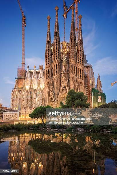 Clouds penetrat Sagrada Familia