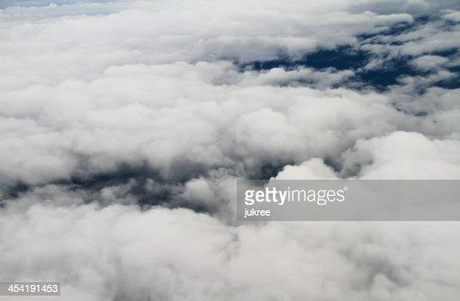 Clouds. vista desde la ventana de Avión volando : Foto de stock