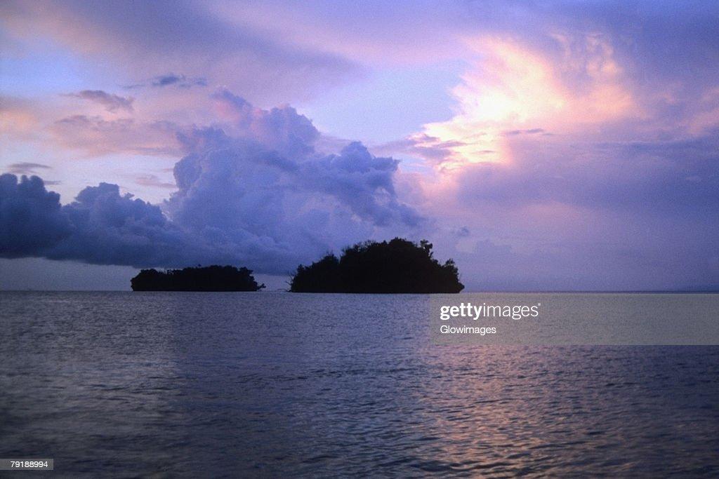 Cloudscape over the sea, Bismarck Sea, Papua New Guinea : Foto de stock