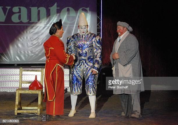 Clowntrio 'Avantes' Show 'Circus Belly' 'Stars of Cinema' Bremen Deutschland Europa Auftritt Manege Circuszelt Zelt Kostüm Artist Promi AS DIG PNr...
