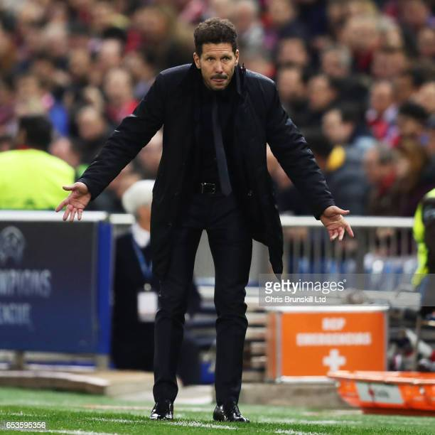 Club Atletico de Madrid Head Coach / Manager Diego Simeone reacts during the UEFA Champions League Round of 16 second leg match between Club Atletico...