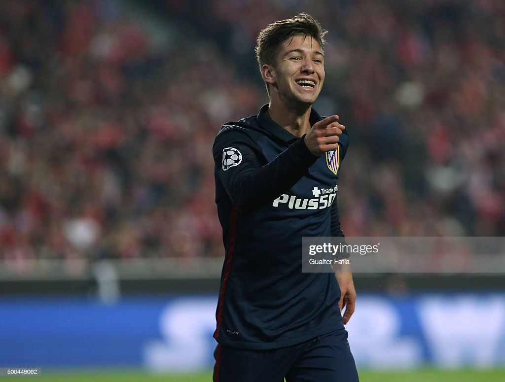 Club Atletico de Madrid's forward <a gi-track='captionPersonalityLinkClicked' href=/galleries/search?phrase=Luciano+Vietto&family=editorial&specificpeople=9755198 ng-click='$event.stopPropagation()'>Luciano Vietto</a> celebrates after scoring a goal during the UEFA Champions League match between SL Benfica and Club Atletico de Madrid at Estadio da Luz, on December 8, 2015 in Lisbon, Portugal.