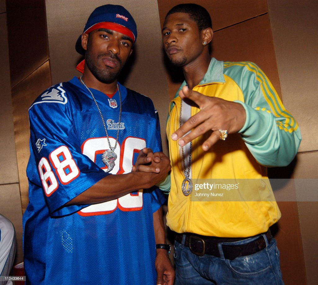 DJ Clue and Usher during Meoshe Mondays July 21 2003 at Lotus in New York City New York United States
