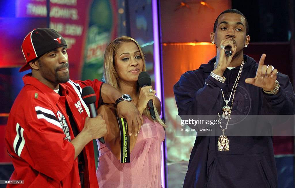 effects of hip hop throughout generations Effects of objectifying hip hop 2 abstract research has demonstrated support for objectification theory and has established that music affects listeners' thoughts and behaviors, however, no research to date joins these two fields.
