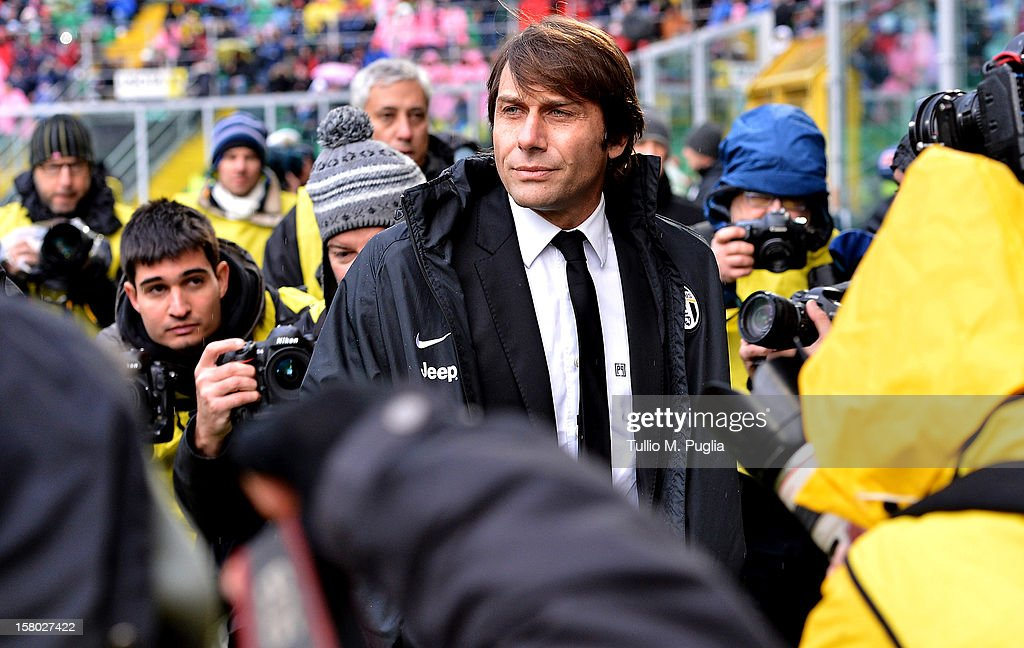 Coach <a gi-track='captionPersonalityLinkClicked' href=/galleries/search?phrase=Antonio+Conte&family=editorial&specificpeople=2379002 ng-click='$event.stopPropagation()'>Antonio Conte</a> of Juventus looks on during the Serie A match between US Citta di Palermo v Juventus FC at Stadio Renzo Barbera on December 9, 2012 in Palermo, Italy.