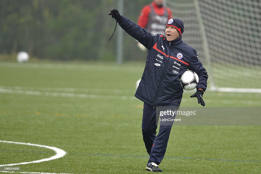 Coach assistant Alejandro Hisis of Chile during a training at Spiserwies stadium November 13, 2012 in Saint Gallen, Switzerland. Chile will play a friendly match against Serbia on November 14th.