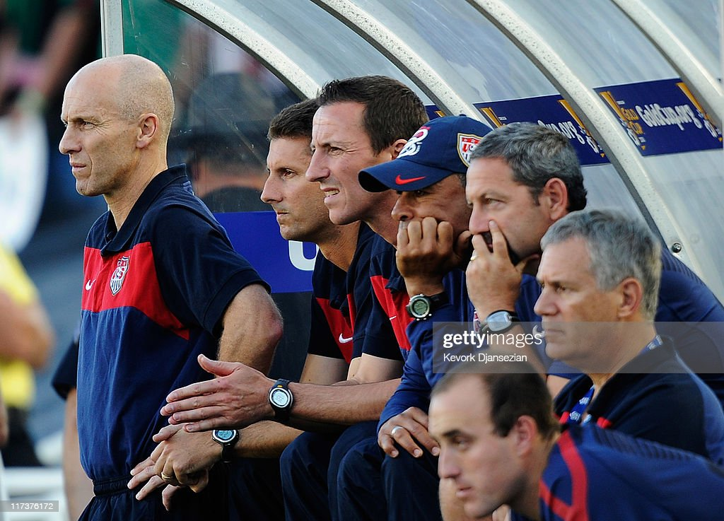 Coach <a gi-track='captionPersonalityLinkClicked' href=/galleries/search?phrase=Bob+Bradley&family=editorial&specificpeople=685515 ng-click='$event.stopPropagation()'>Bob Bradley</a> of the United States and his coaching staff react during the team's loss to Mexico during the 2011 CONCACAF Gold Cup Championship at the Rose Bowl on June 25, 2011 in Pasadena, California.