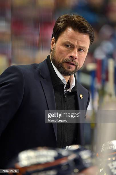 coach Christof Kreutzer of the Duesseldorfer EG during the DEL game between the Eisbaeren Berlin and Duesseldorfer EG on January 22 2016 in Berlin...
