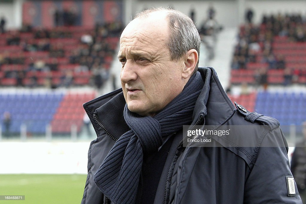 Coach <a gi-track='captionPersonalityLinkClicked' href=/galleries/search?phrase=Delio+Rossi&family=editorial&specificpeople=6538807 ng-click='$event.stopPropagation()'>Delio Rossi</a> of Sampdoria during the Serie A match between Cagliari Calcio and UC Sampdoria at Stadio Sant'Elia on March 10, 2013 in Cagliari, Italy.