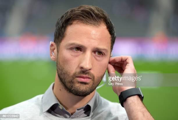 coach Domenico Tedesco of FC Schalke 04 before the game between Hertha BSC and Schalke 04 on october 14 2017 in Berlin Germany