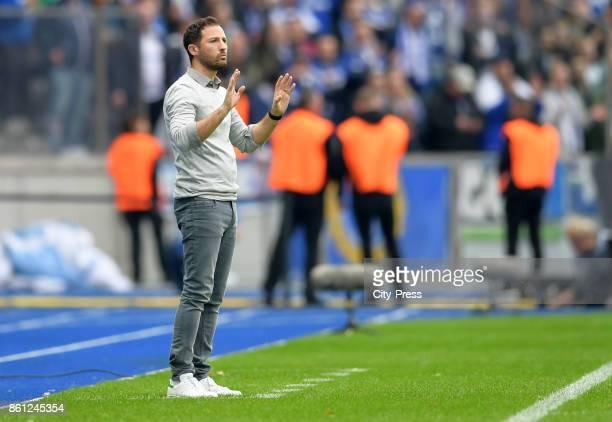 coach Domenico Tedesco of FC Schalke 04 during the game between Hertha BSC and Schalke 04 on october 14 2017 in Berlin Germany