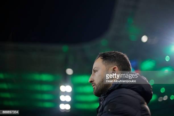 Coach Domenico Tedesco of Schalke before the Bundesliga match between Borussia Moenchengladbach and FC Schalke 04 at BorussiaPark on December 9 2017...