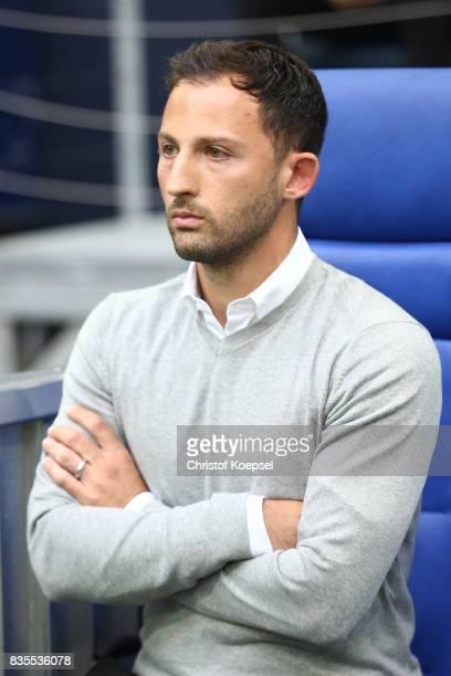 Coach Domenico Tedesco of Schalke during the Bundesliga match between FC Schalke 04 and RB Leipzig at VeltinsArena on August 19 2017 in Gelsenkirchen...