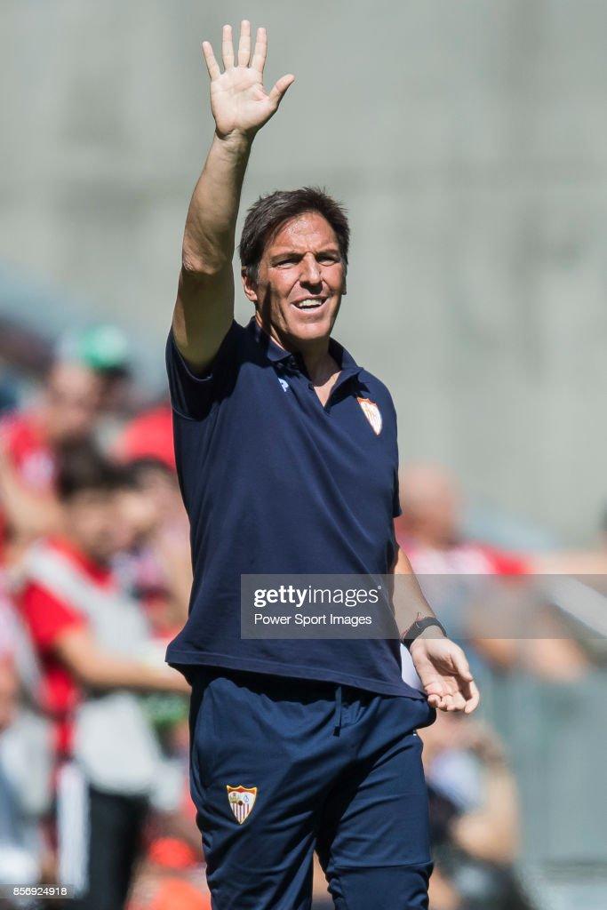 Coach Eduardo Berizzo of Sevilla FC reacts during the La Liga 2017-18 match between Atletico de Madrid and Sevilla FC at the Wanda Metropolitano on 23 September 2017, in Madrid, Spain.