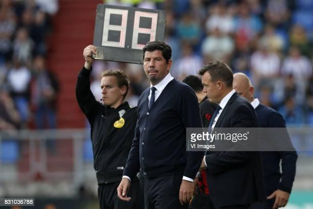 coach Erwin van de Looi of Willem II during the Dutch Eredivisie match between Willem II Tilburg and sbv Excelsior at Koning Willem II stadium on...