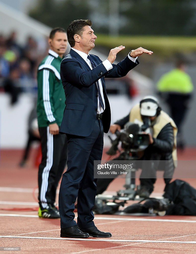 Coach FC Inter Milan <a gi-track='captionPersonalityLinkClicked' href=/galleries/search?phrase=Walter+Mazzarri&family=editorial&specificpeople=5314636 ng-click='$event.stopPropagation()'>Walter Mazzarri</a> reacts during the UEFA Europa League Qualifying Play-Offs Round first leg match between Stjarnan and FC Internazionale at Laugardalsvollur National Stadium on August 20, 2014 in Reykjavik, Iceland.