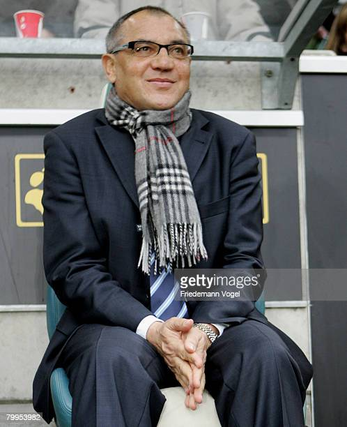 Coach Felix Magath of Wolfsburg looks on during the Bundesliga match between VfL Wolfsburg and Hertha BSC Berlin at the Volkswagen Arena on February...