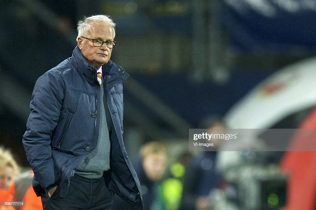 coach Foppe de Haan of sc Heerenveen during the Dutch Eredivisie match between sc Heerenveen and FC Twente at Abe Lenstra Stadium on February 06, 2016 in Heerenveen, The Netherlands