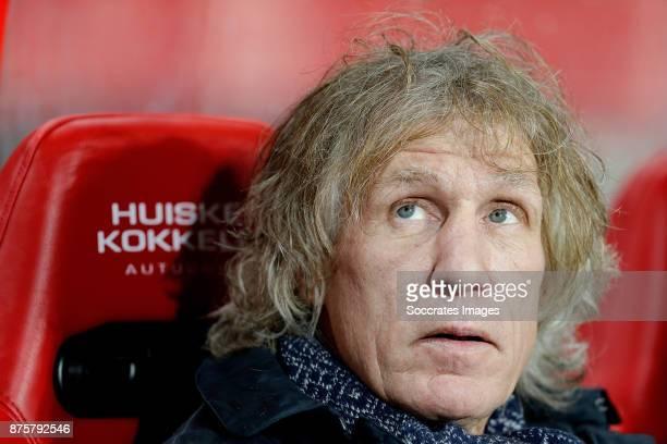 coach Gert Jan Verbeek of FC Twente during the Dutch Eredivisie match between Fc Twente v SC Heerenveen at the De Grolsch Veste on November 18 2017...