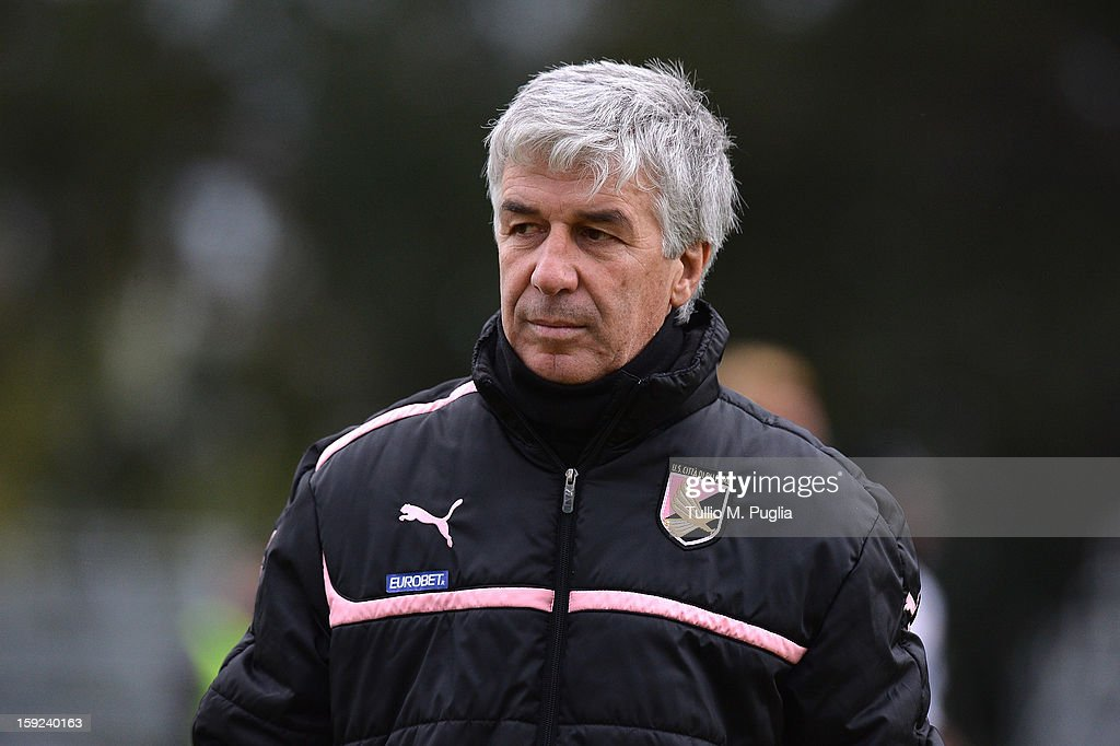 Coach Gian Piero Gasperini of Palermo looks on during a training session at Tenente Carmelo Onorato Sports Center on January 10, 2013 in Palermo, Italy.