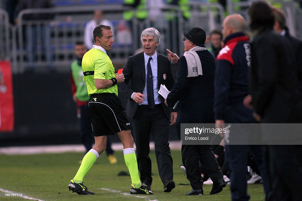Coach Gian Piero Gasperini of Palermo receives a red card during the Serie A match between Cagliari Calcio and US Citta di Palermo at Stadio Sant'Elia on January 27, 2013 in Cagliari, Italy.