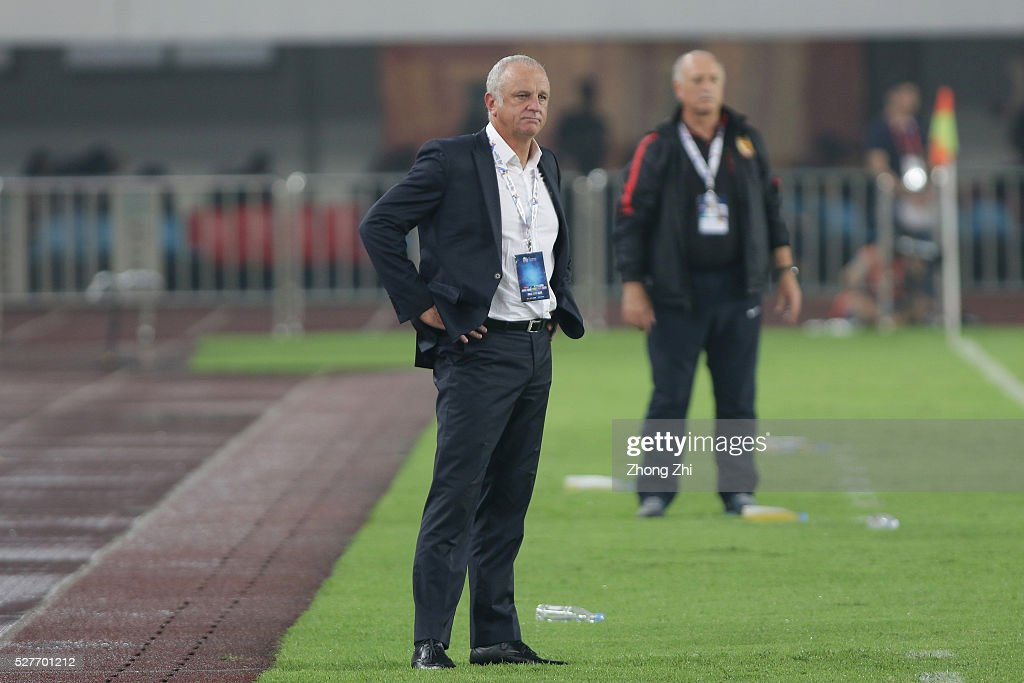 Coach <a gi-track='captionPersonalityLinkClicked' href=/galleries/search?phrase=Graham+Arnold&family=editorial&specificpeople=545662 ng-click='$event.stopPropagation()'>Graham Arnold</a> of Sydney FC looks on during the AFC Asian Champions League match between Guangzhou Evergrande FC and Sydney FC at Tianhe Stadium on May 3, 2016 in Guangzhou, China.