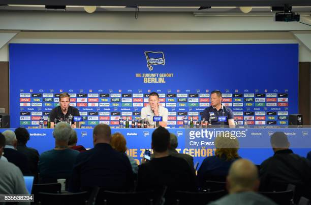 coach Hannes Wolf of VfB Stuttgart Marcus 'Max' Jung and coach Pal Dardai of Hertha BSC after the game between Hertha BSC and dem VfB Stuttgart on...
