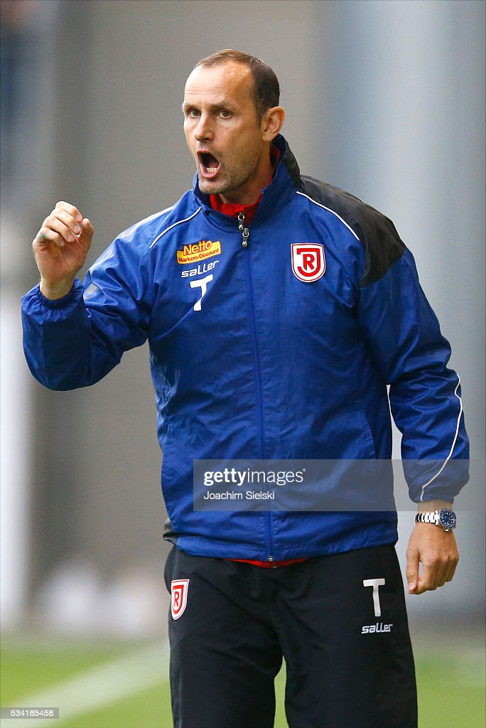 Coach <a gi-track='captionPersonalityLinkClicked' href=/galleries/search?phrase=Heiko+Herrlich&family=editorial&specificpeople=2303748 ng-click='$event.stopPropagation()'>Heiko Herrlich</a> of Regensburg during the 3. Liga Playoff Leg 1 match between VfL Wolfsburg II and Jahn Regensburg at AOK Stadion on May 25, 2016 in Wolfsburg, Germany.