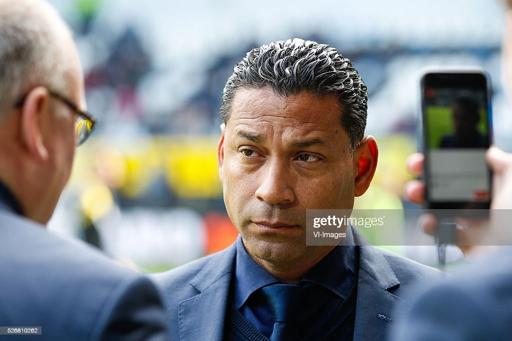 coach Henk Fraser of ADO Den Haag during the Dutch Eredivisie match between Heracles Almelo and ADO Den Haag at Polman stadium on May 01, 2016 in Almelo, The Netherlands