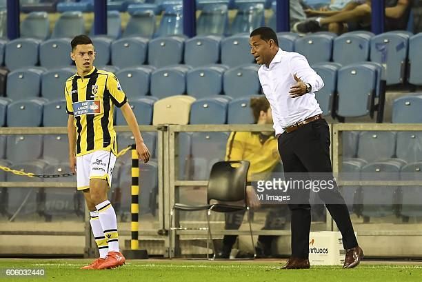 Coach Henk Fraser of Vitesse give instructions to Mitchell van Bergen of Vitesse during the Dutch Eredivisie match between Vitesse Arnhem and FC...