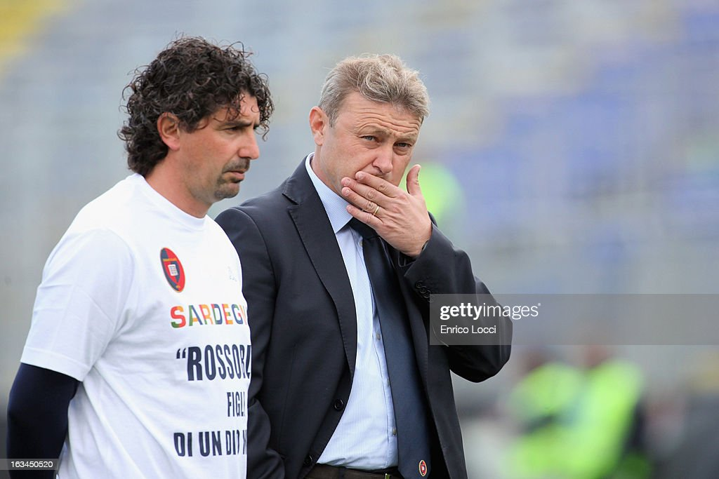 Coach Ivo Pulga of Cagliari looks on during the Serie A match between Cagliari Calcio and UC Sampdoria at Stadio Sant'Elia on March 10, 2013 in Cagliari, Italy.