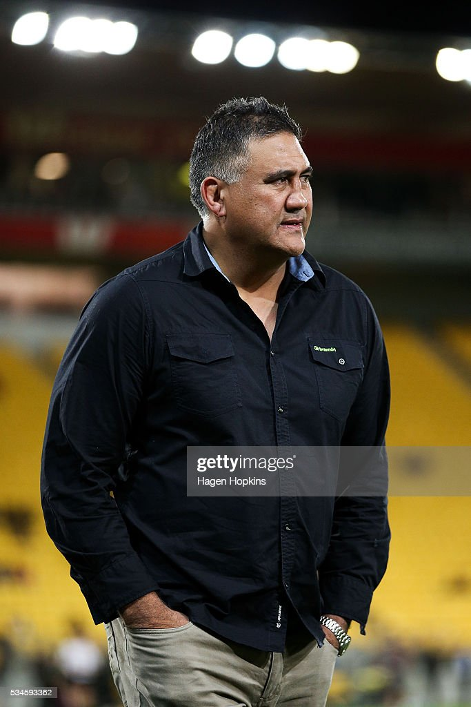 Coach <a gi-track='captionPersonalityLinkClicked' href=/galleries/search?phrase=Jamie+Joseph+-+Rugby+Coach&family=editorial&specificpeople=14741795 ng-click='$event.stopPropagation()'>Jamie Joseph</a> of the Highlanders looks on during the round 14 Super Rugby match between the Hurricanes and the Highlanders at Westpac Stadium on May 27, 2016 in Wellington, New Zealand.