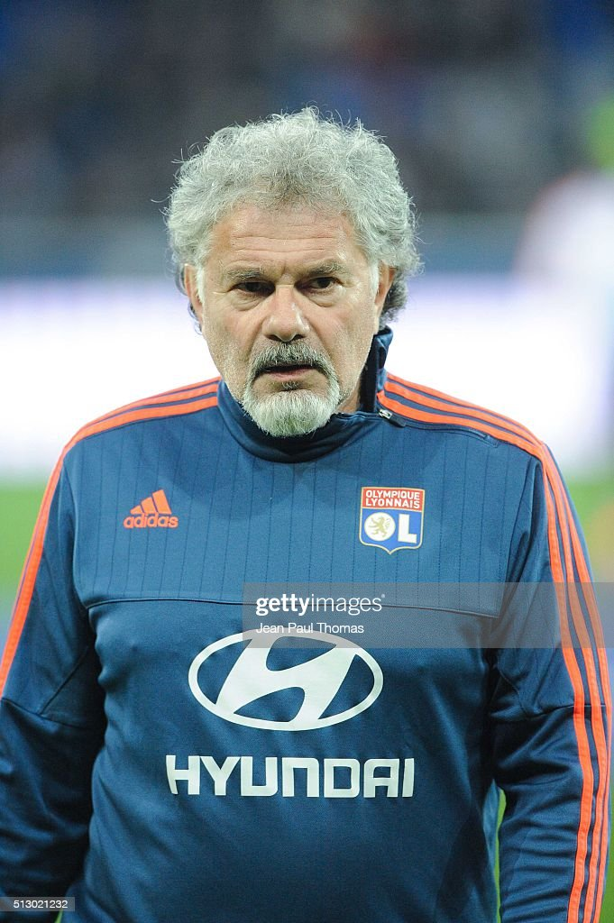 http://media.gettyimages.com/photos/coach-joel-bats-of-lyon-during-the-french-ligue-1-match-between-v-picture-id513021232
