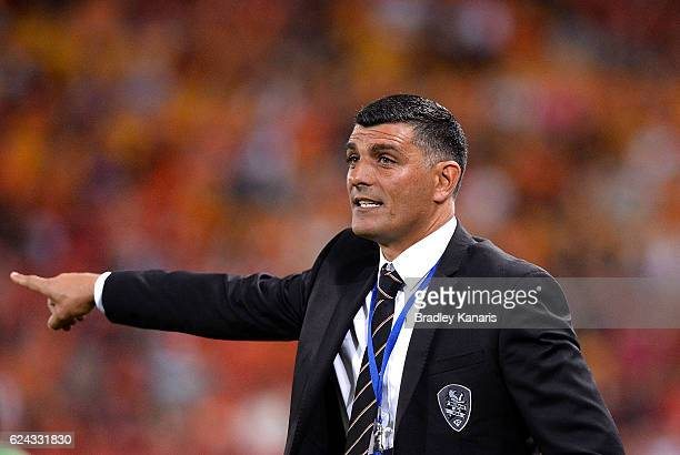 Coach John Aloisi of the Roar during the round seven ALeague match between the Brisbane Roar and Sydney FC at Suncorp Stadium on November 19 2016 in...