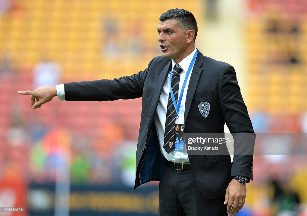 Coach <a gi-track='captionPersonalityLinkClicked' href=/galleries/search?phrase=John+Aloisi&family=editorial&specificpeople=171530 ng-click='$event.stopPropagation()'>John Aloisi</a> of the Roar gives directions to his players during the round 18 A-League match between the Brisbane Roar and Central Coast Mariners at Suncorp Stadium on February 6, 2016 in Brisbane, Australia.