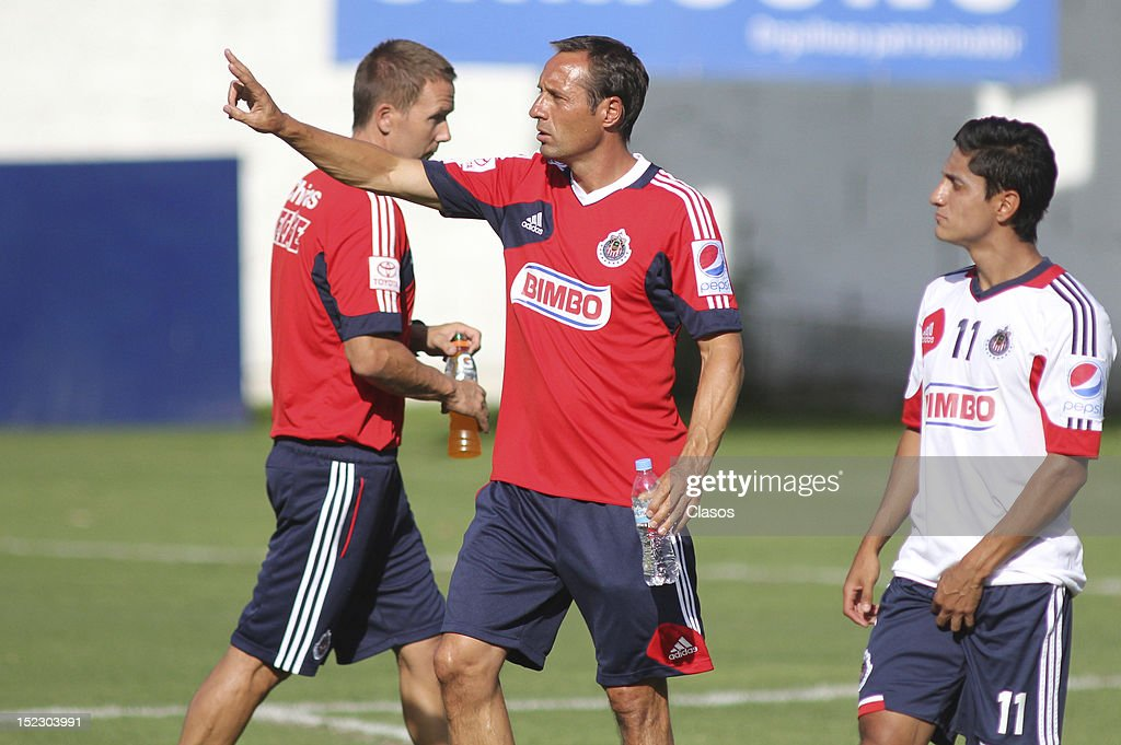 Coach John vant Schip directs during a training session of Chivas at Club Verde Valle on September 17, 2012 in Zapopan, Mexico.