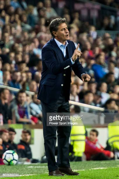Coach Jose Miguel Gonzalez Martin del Campo Michel of Malaga CF reacts during the La Liga 201718 match between FC Barcelona and Malaga CF at Camp Nou...