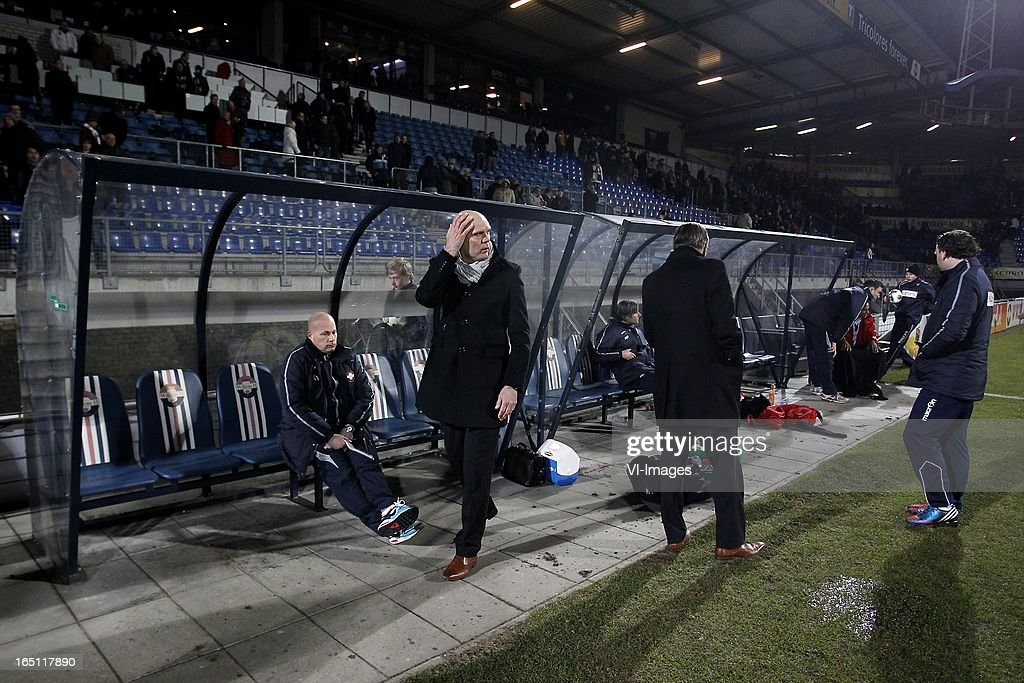 Coach Jurgen Streppel of Willem II (C) during the Dutch Eredivisie match between Willem II and FC Groningen at the Koning Willem II Stadium on march 30, 2013 in Tilburg, The Netherlands