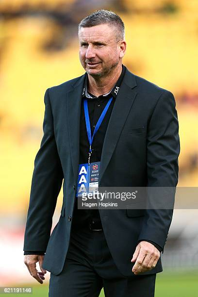 Coach Mark Jones of the Jets looks on during the round five ALeague match between the Wellington Phoenix and the Newcastle Jets at Westpac Stadium on...