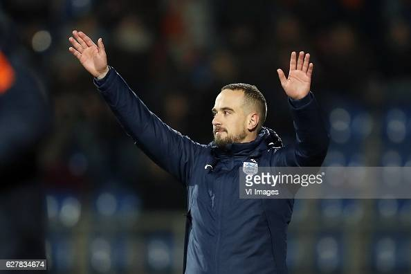 coach Mark Sampson of Englandduring the friendly match between the women of Netherlands and England on November 29 2016 at the Koning Willem II...
