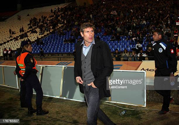 Coach Martin Palermo of Godoy Cruz enters to the field prior a match between Godoy Cruz and River platea as part of the Torneo Inicial 2013 at...