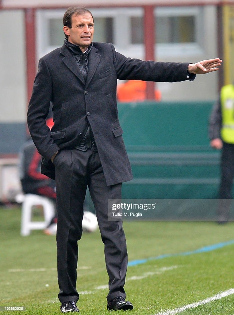 Coach Massimiliano Allegri of Milan issues instructions during the Serie A match between AC Milan and US Citta di Palermo at San Siro Stadium on March 17, 2013 in Milan, Italy.